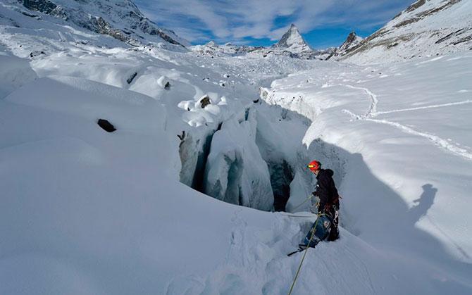 ice_cave_gorner_island_5.jpg
