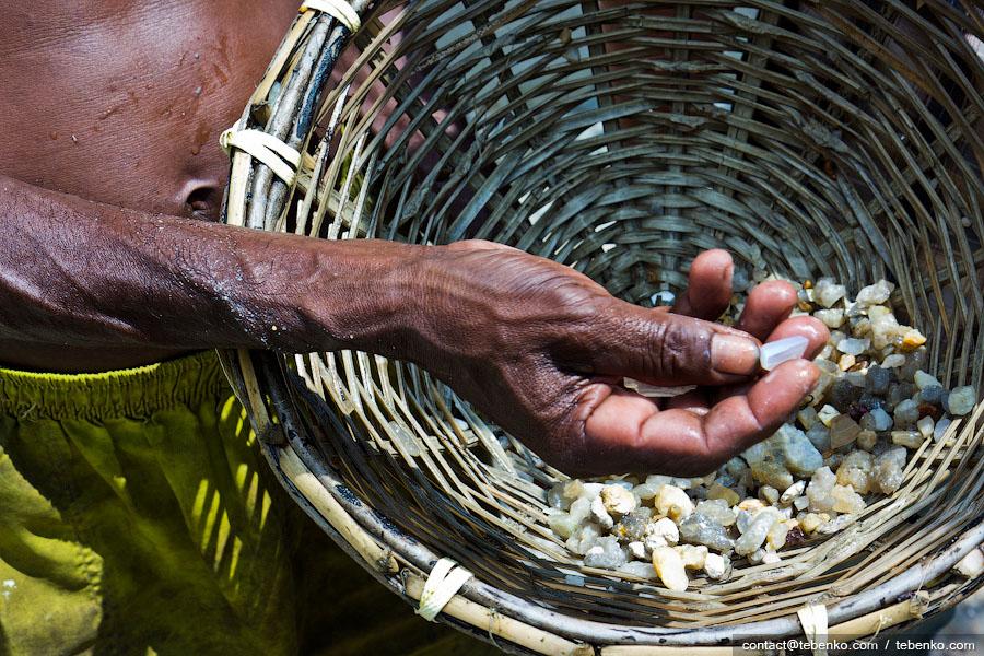 Драгоценные камни где искать чем цена 100 тенговая монета 2007 года выпуска
